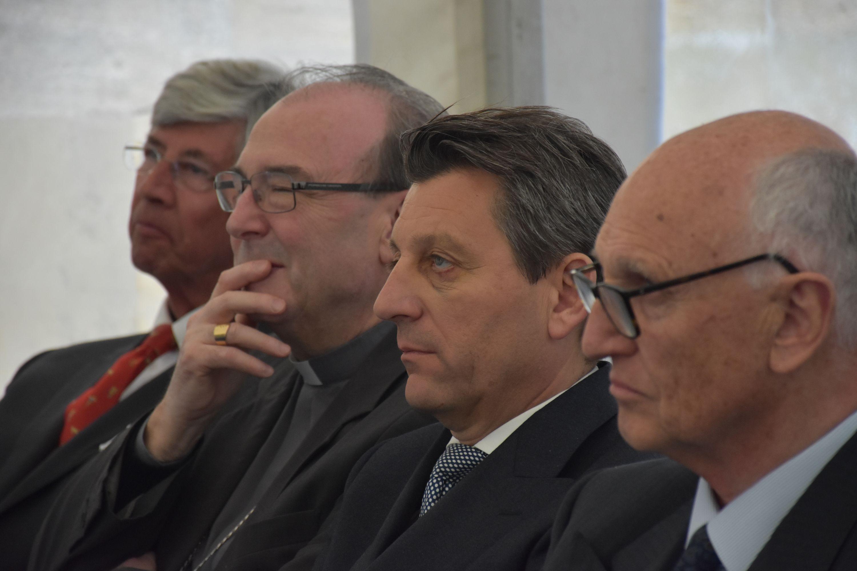 Alain DE WAELE, Secrétaire général du Fonds Baillet Latour, Monseigneur VANCOTTEM, Jürgen MEINDL, Ambassadeur d'Autriche, Jan HUYGHEBAERT, Président du Fonds Baillet Latour