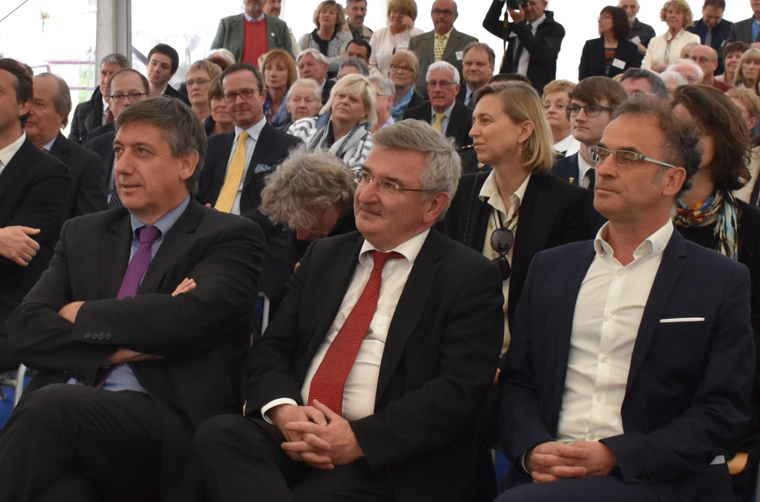 Les Ministres Jan Jambon et René Collin et le Maire François Culot